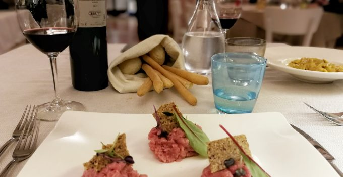 EATING OUT: LA CUCINA PIEMONTESE CREATIVA DELL'ENOTECA DI CANELLI